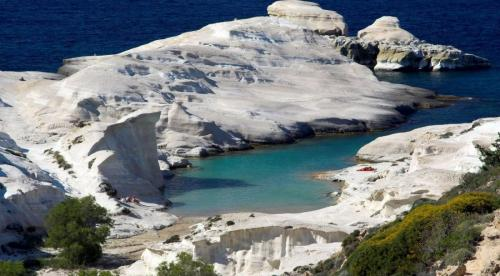 milos-by-flytrip.gr